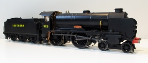 Hornby Schools Class now repainted into SR post war black, numbered and named as 929 'Malvern'. Now just awaits weathering.
