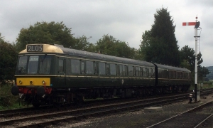 An example of the Class 117 as preserved on the Gloucestershire and Warwickshire Railway